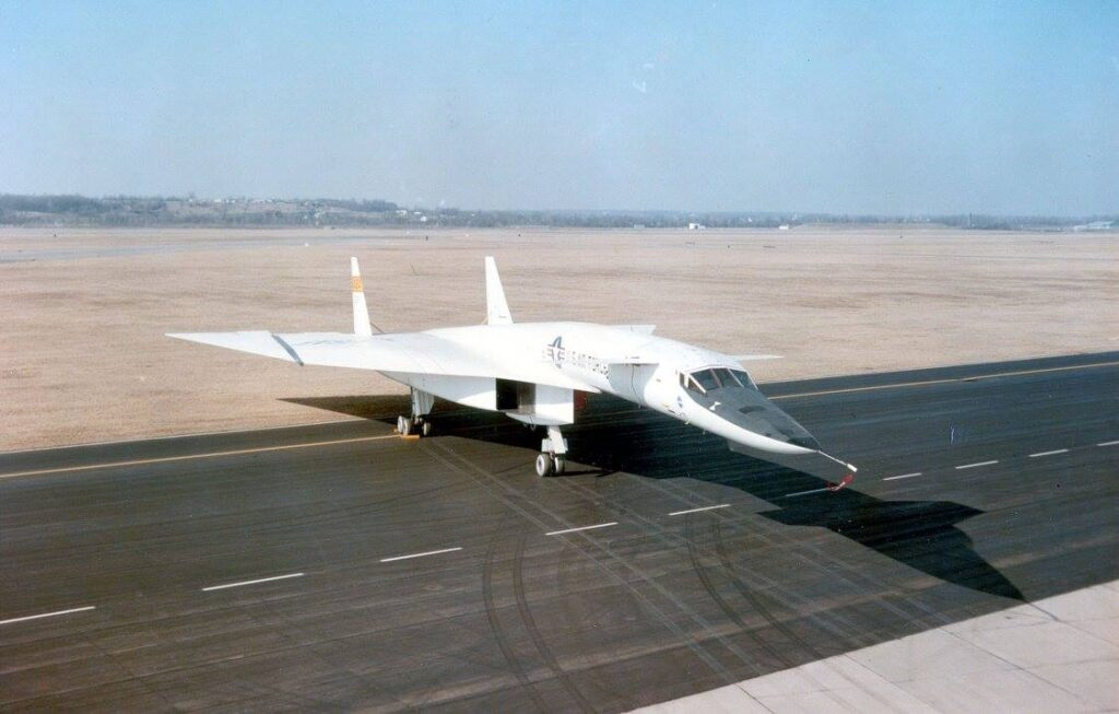 XB-70 Valkyrie fastest aircraft in the world